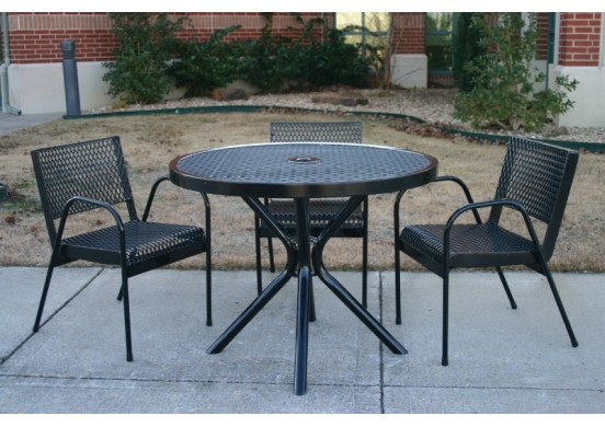Canteen Expanded Modern Frame Circle Picnic Table