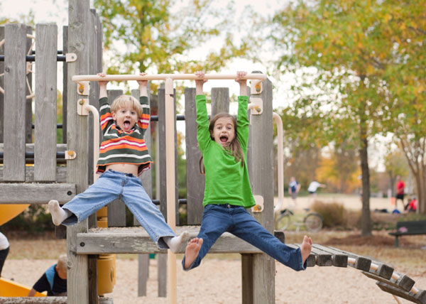 kids hanging